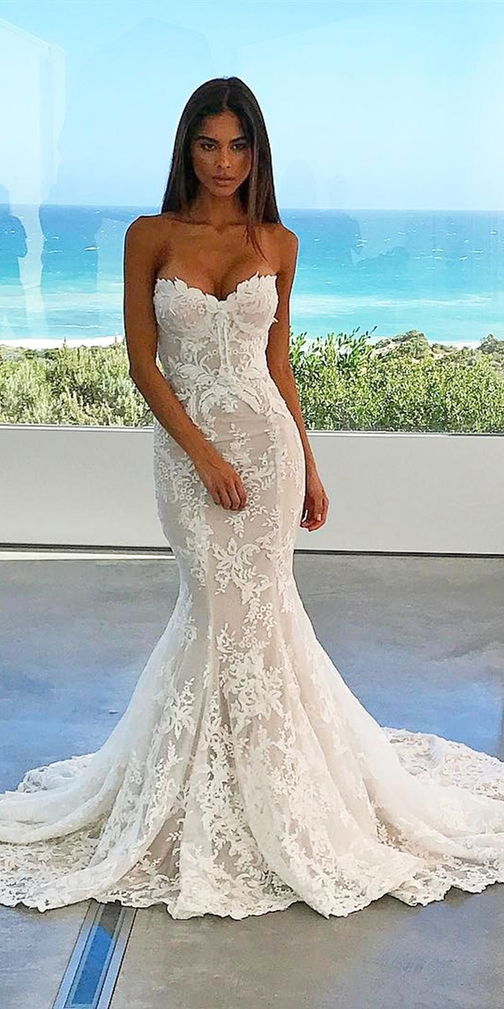 Strapless Sweetheart Lace Appliques Mermaid Wedding Dress With Train