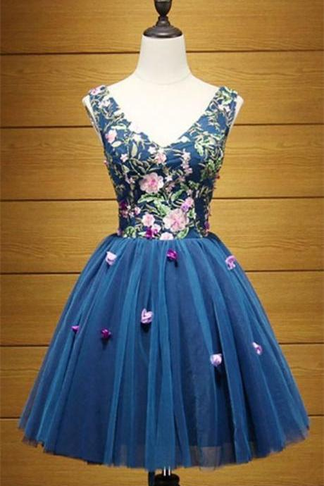 Vintage Ball-Gown V-Neck Short Tulle Homecoming Dresses With Applique Lace