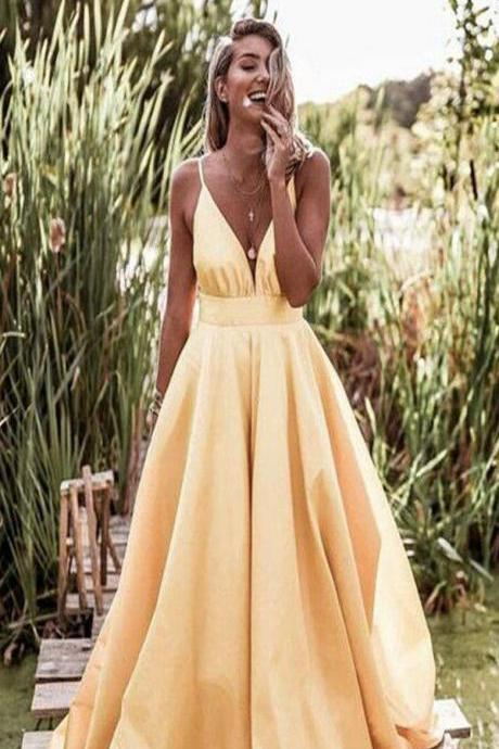 Light Pastel Yellow Sexy Spaghetti Straps V-neck Long Empire Prom Dresses